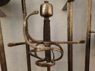 Fig. 1. Museo Bardini, Florence. Practice Rapier/spada da marra/fioretto, circa 1600. The swept hilt is typical of the actual rapier of the period. Note the width of the ricasso.